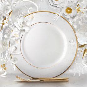تبلیغ ظروف کریستال و چینی با تم سفید و طلایی در قالب پوستر پی اس دی